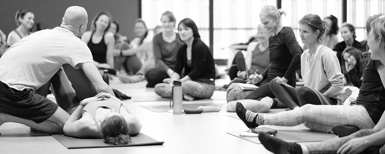 """MTC """"Anatomie der Bewegung"""" am 3./4. Juli 2021 mit Dr. Ronald Steiner • Yogability"""