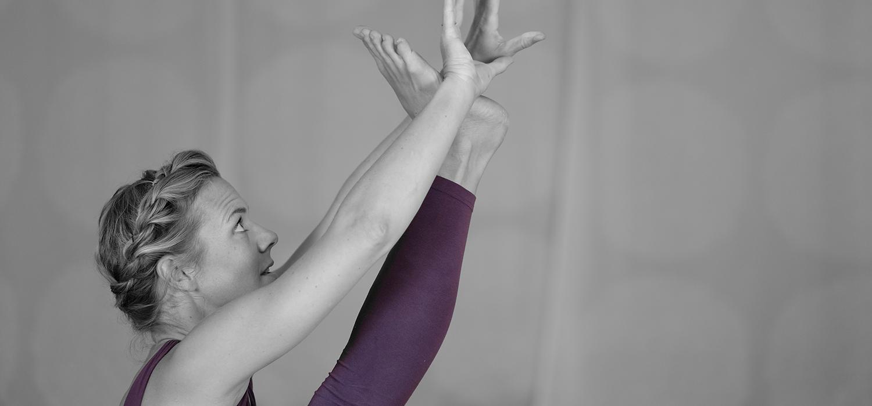 Die AYI® Inspired Online Yogalehrer Ausbildung bei Yogability mit Svenja Wilke (AYI® Expert) - ab September 2021 bequem von zu Hause aus!